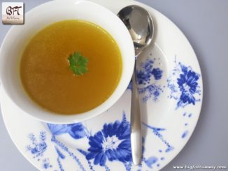 Caldo De Galinha - Goan Chicken Broth / Soup