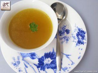 Caldo De Galinha - Goan Chicken Broth / Soup