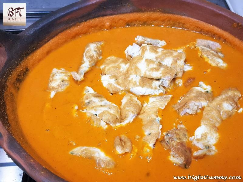 Preparation of Goan Omlette Kodi (curry)