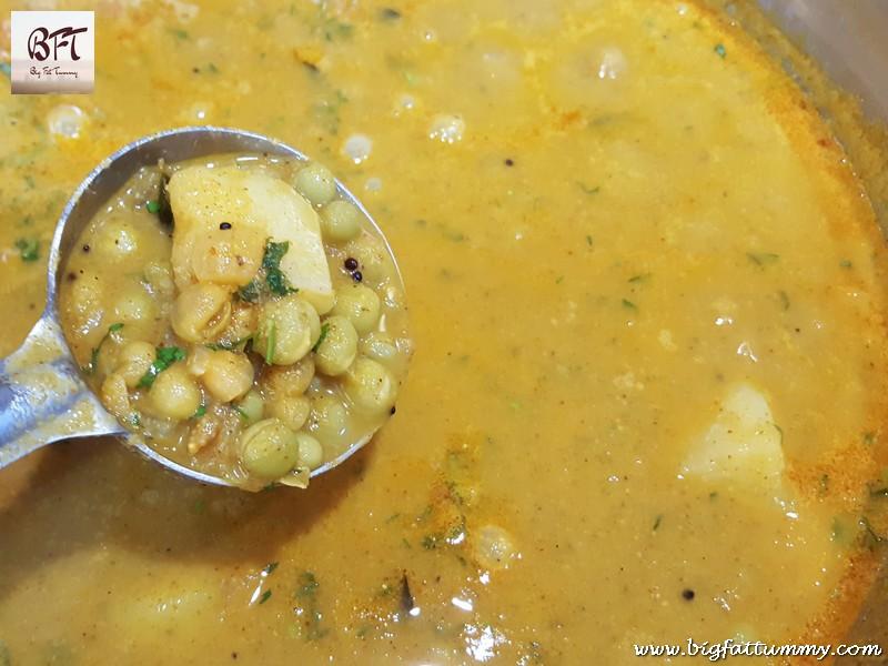 Preparation of Dry Green Pea Masala