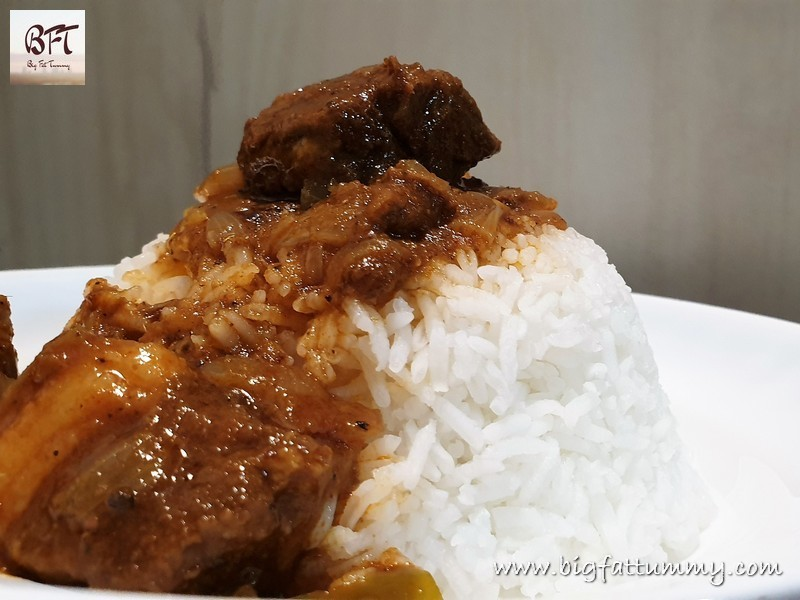 Making of Slow Cooked Pork Curry