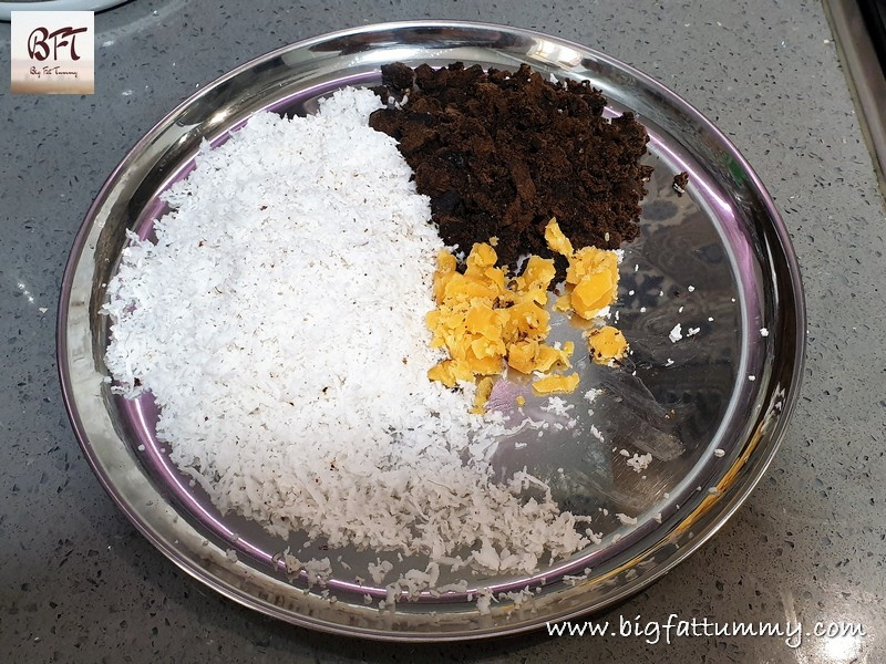 Making of Coconut-Palm Jaggery-Chana Filling