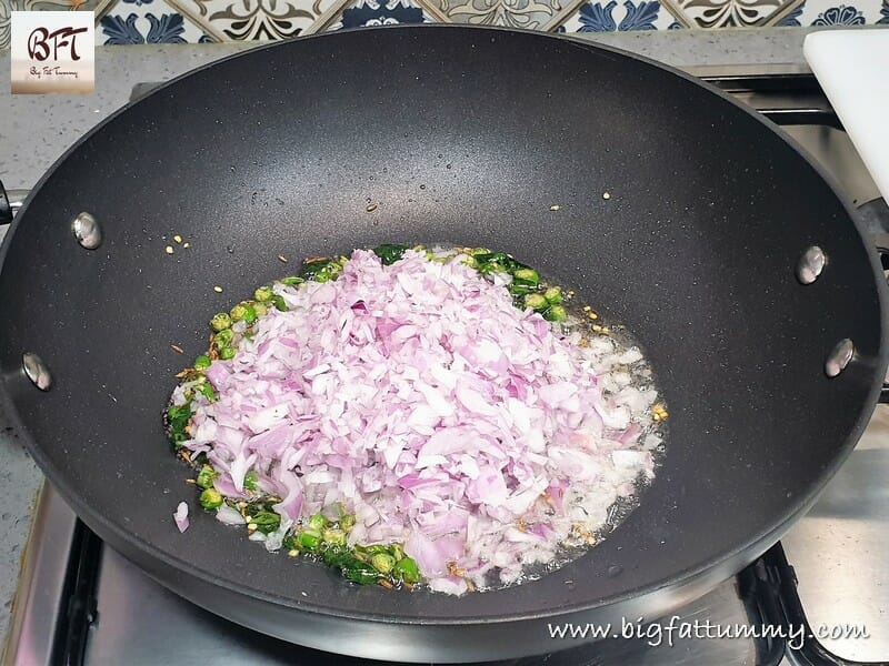 Preparation of Kanda Poha